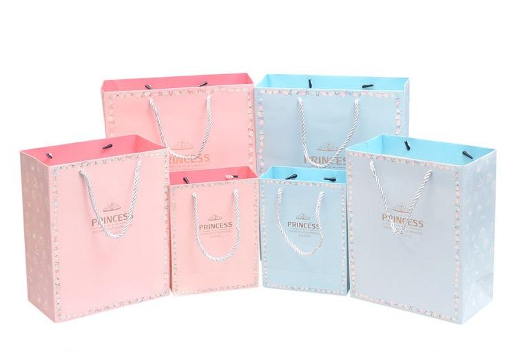 Tổng hợp màu sắc trong thiết kế túi giấy